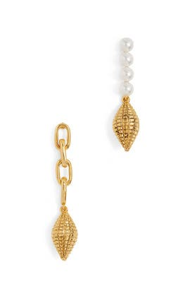 Gold Shell Earrings by Oscar de la Renta