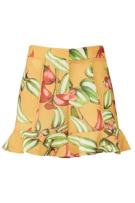 Yellow Floral Ruffle Hem Shorts by PatBO